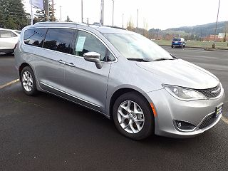 2019 Chrysler Pacifica Limited VIN: 2C4RC1GG2KR748717
