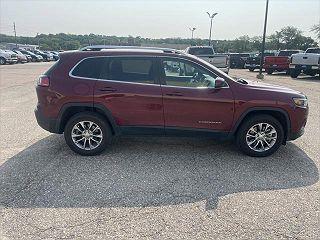2019 Jeep Cherokee Latitude VIN: 1C4PJMLB9KD305704